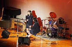 軽音楽部の写真です。