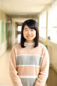 鈴木 綾華さんの写真です。